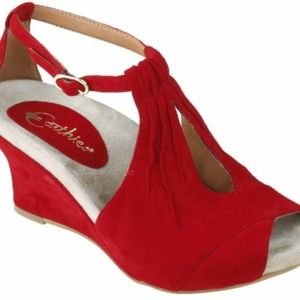 Earthies Varia too,red wedge sandals GUC